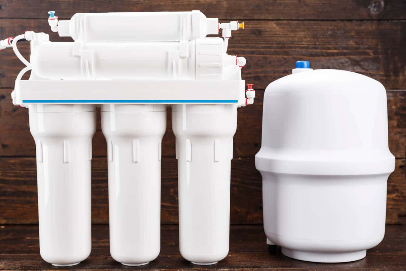A reverse osmosis device